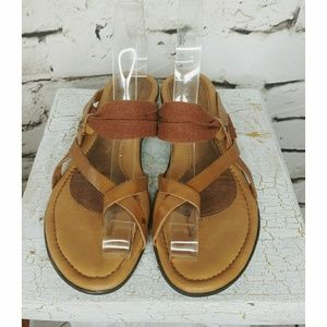 Hush Puppies Medium Moyan sandal flip flops sz 6.5